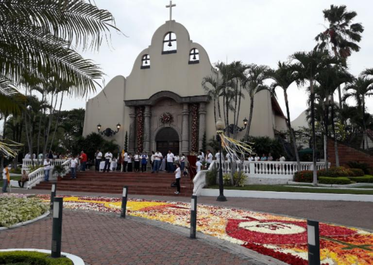 Iglesia Santa Teresita del Niño Jesús, Samborondón image